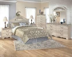 Coal Creek Bedroom Set by Gabriela 4pc Bedroom Set