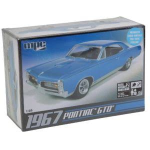 Mpc 710 1967 Pontiac Gto Plastic Model Car Kit - 1/25 Scale