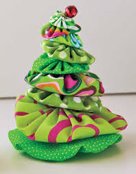 Christmas Tree Shop Avon Ma by Make A Miniature Christmas Tree Made With Yo Yos With The How Tos