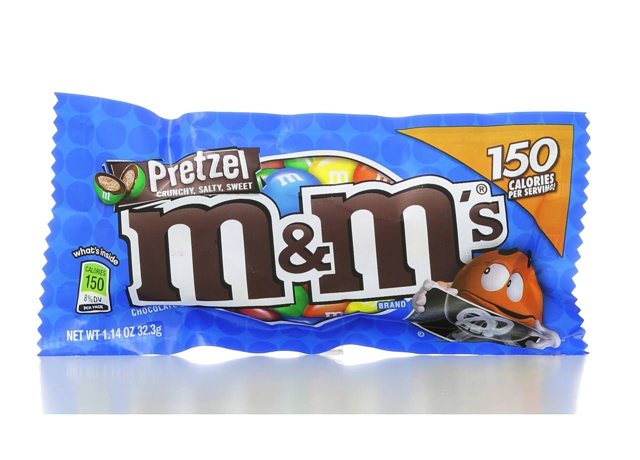 M&M'S Chocolate Candies - Pretzel, 32.3g