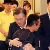 2014年韓国フェリー転覆事故, 大統領, 文在寅, 大韓民国, 遺族, セウォル, 朴槿恵