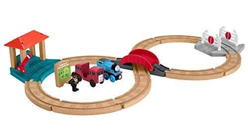 Thomas & Friends Wood: Racing Figure-8 Set