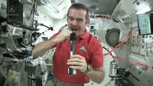 بالفيديو البكاء في الفضاء الخارجي قد يؤدى إلى قتل رائد الفضاء! 1 2/8/2015 - 4:13 ص