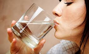 ดื่มน้ำดื่ม 8 แก้ว ต่อ วัน