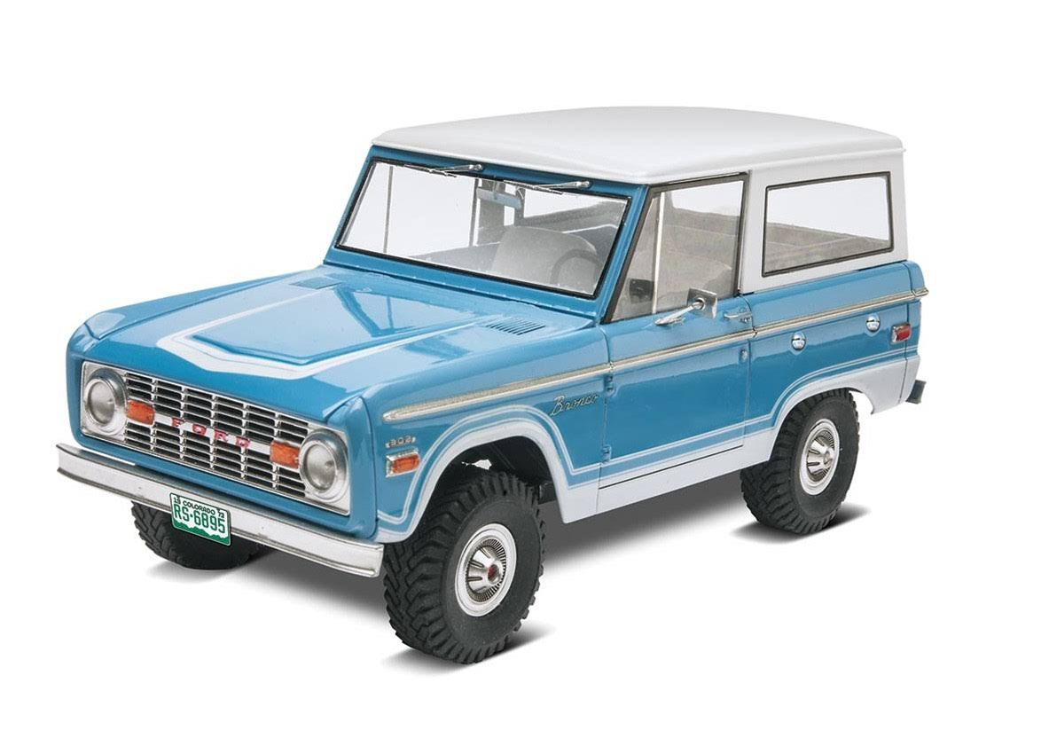 Revell 1/25 Ford Bronco Plastic Model Car Kit
