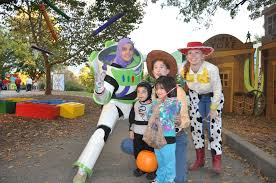Toledo Zoo Halloween by How To Spend Halloween 2016 In Berlin Phil Potempa It S Time For
