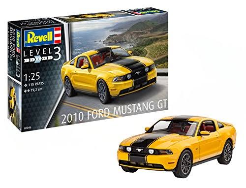 Revell - 2010 Ford Mustang GT- 1:25 - Car Model Kit 07046