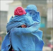 Mujer afgana con burka